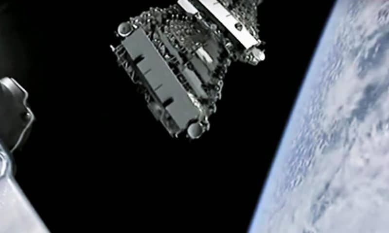 SpaceX Starlink wins permit to send internet to customers like you